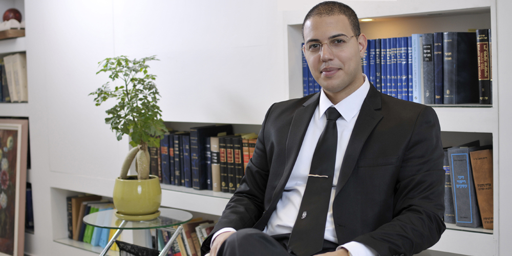 עורך דין נזיקין - אסף דוק