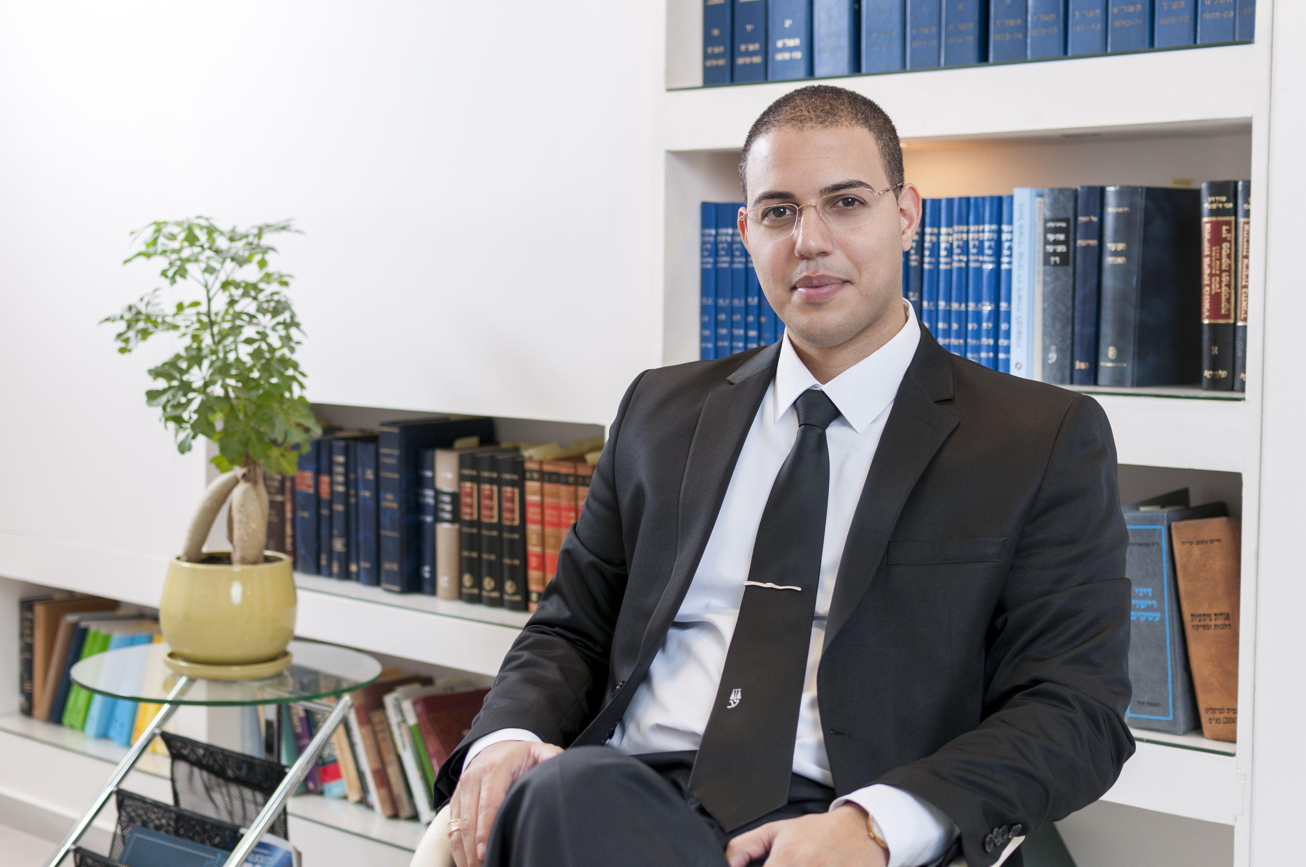 אסף דוק, עורך דין