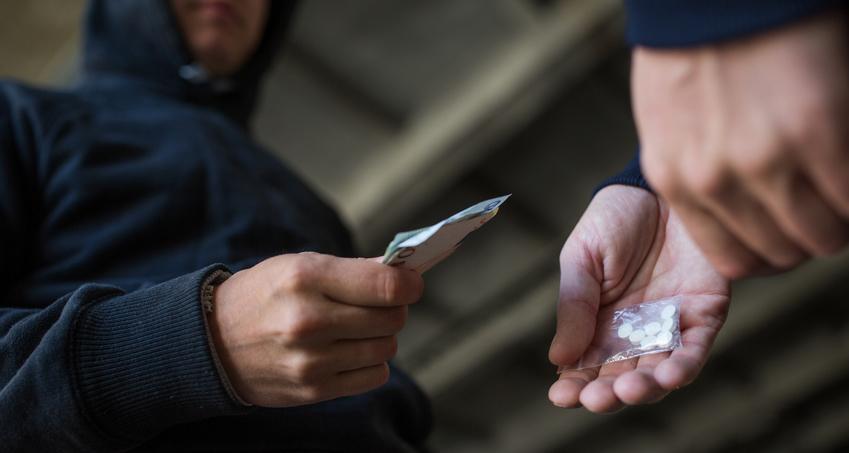 עבירת מכירת סמים לשוטרים סמויים - אופיה ומהותה