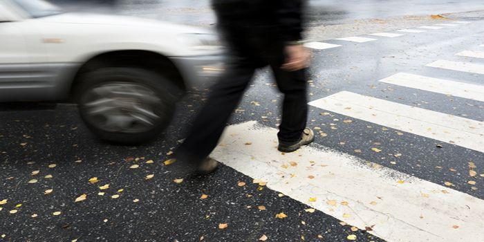 נהג מואשם כי דרס למוות הולכת רגל לאחר שלא עצר במעבר חציה
