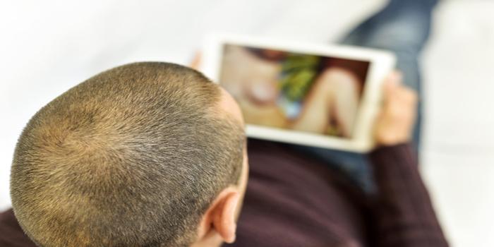 הפצת תמונות וסרטונים אינטימיים - משמעותה והעונש בצידה