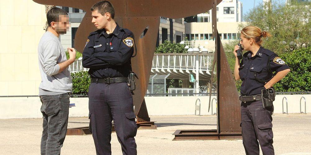 איך מתנהגים עם שוטרים?