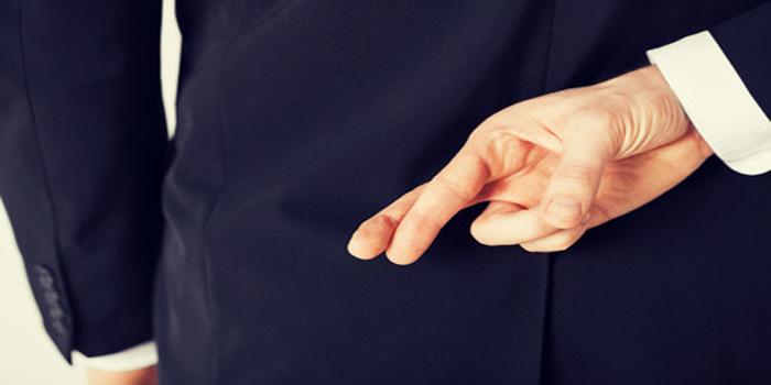 """מרמה והפרת אמונים   עו""""ד אסף דוק"""