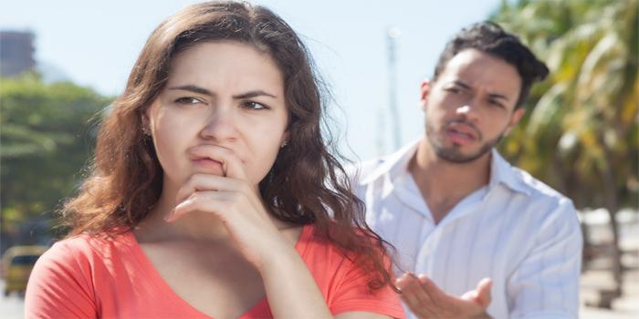 חיזור רומנטי או הטרדה מינית - איפה עובר הגבול?