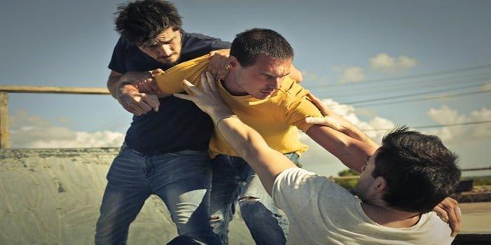 מתי מתקיימות נסיבות מחמירות בתקיפה – ומה עונשן?