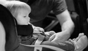 שכחת ילדים ברכב – האם מדובר בעבירה פלילית?