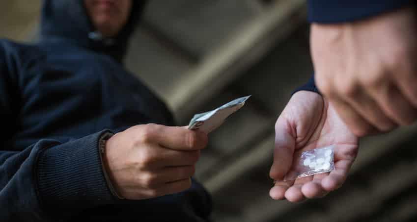 מכירת סמים לסוכן משטרתי סמוי