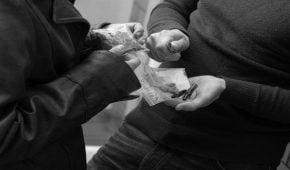 אישום נגד צעיר מרמת השרון בחשד לסחר בסמים