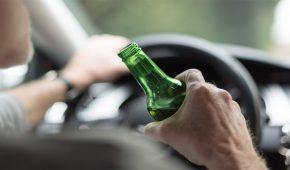 מורה לנהיגה נתפס נוסע במהירות מופרזת בעודו שיכור