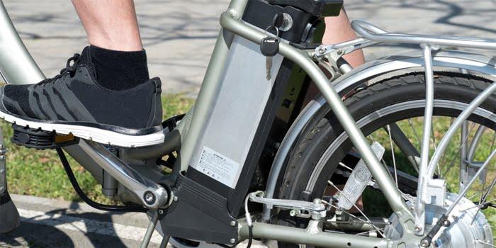 רישיונו של אדם שרכב שיכור על אופניים חשמליים נשלל