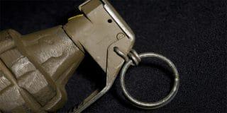 צעיר בן 21 נעצר בחשד שהשליך רימון על ביתו של איש עסקים בחדרה