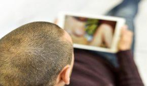הפצת תמונות וסרטונים אינטימיים – משמעותה והעונש בצידה
