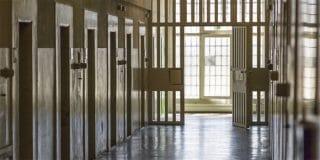 ניסו לפתות סוהר להחדיר סמים לכלא וירצו 25-28 חודשי מאסר