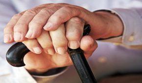 מטפל במוסד סיעודי ביפו חשוד כי התעלל בקשישה