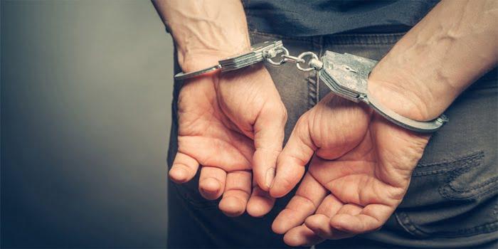 צעיר נעצר לאחר שהתחזה לאחותו במבחן באנגלית לאוניברסיטה