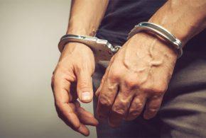 כוכב ריאליטי נעצר לאחר שקטינה בת 15 התלוננה שאנס אותה