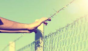 חופשות אסירים – באילו מקרים תתאפשר יציאת אסיר לחופשה מהכלא?