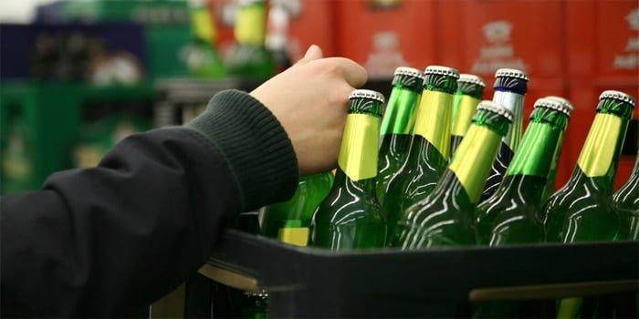 עבירת מכירת משקה משכר לקטין