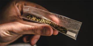 מה העונשים על החזקת סם לשימוש עצמי לאחר חקיקת חוק הסמים המסוכנים?