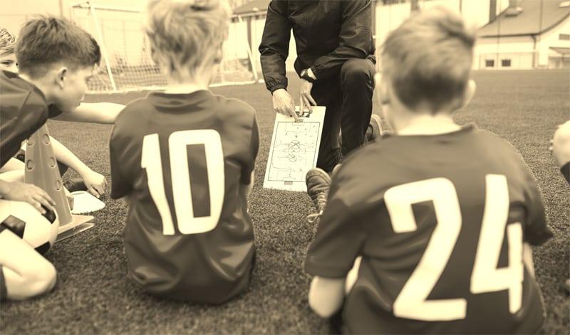 פטור מאיסור עיסוק למאמן כדורגל ילדים ונוער