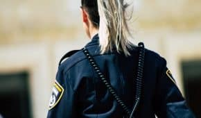 בית המשפט ביטל צו לסגירת עסק שהוציאה המשטרה עקב מכירת משקה משכר לקטין
