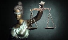 בית המשפט הורה על ביטול כתב אישום שהוגש נגד נער בן 15 שנחקר ללא נוכחות הוריו