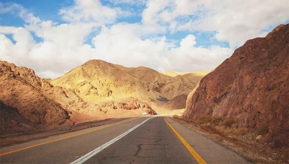 נהיגה בישראל עם רישיון נהיגה זר - מה אומר החוק?