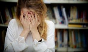 מורה שהודה שביצע מעשה מגונה בתלמידה לא יועמד לדין ויוכל להמשיך ללמד