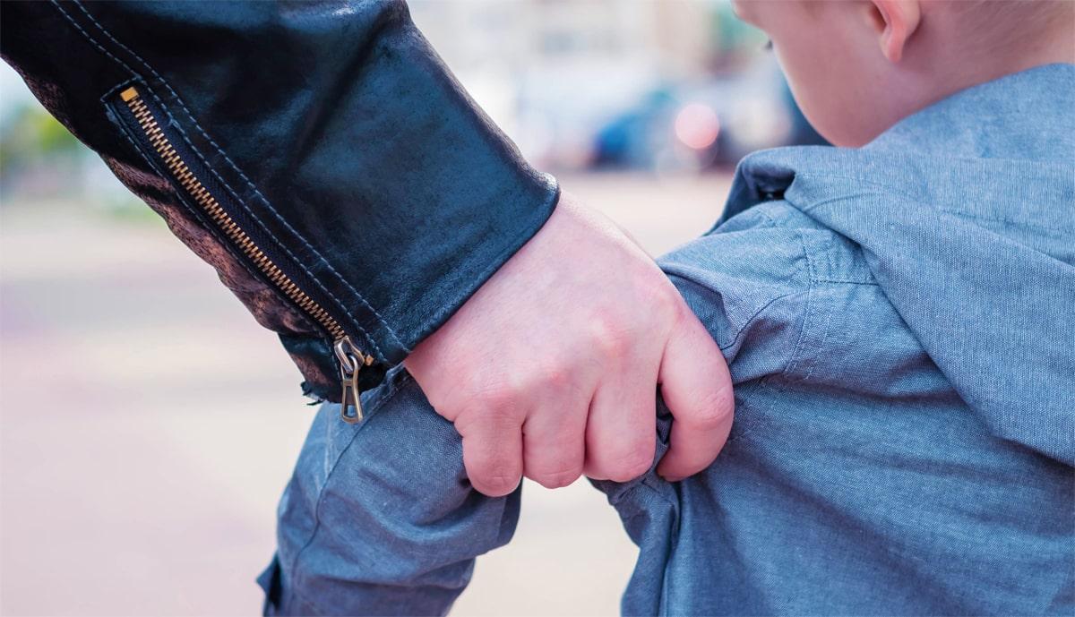 אדם שהואשם שחטף ילד בן 8 ופגע בו מינית נוקה מאשמה