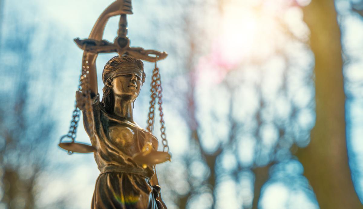 חוסר עניין לציבור - נסיבות העניין אינן מצדיקות העמדה לדין