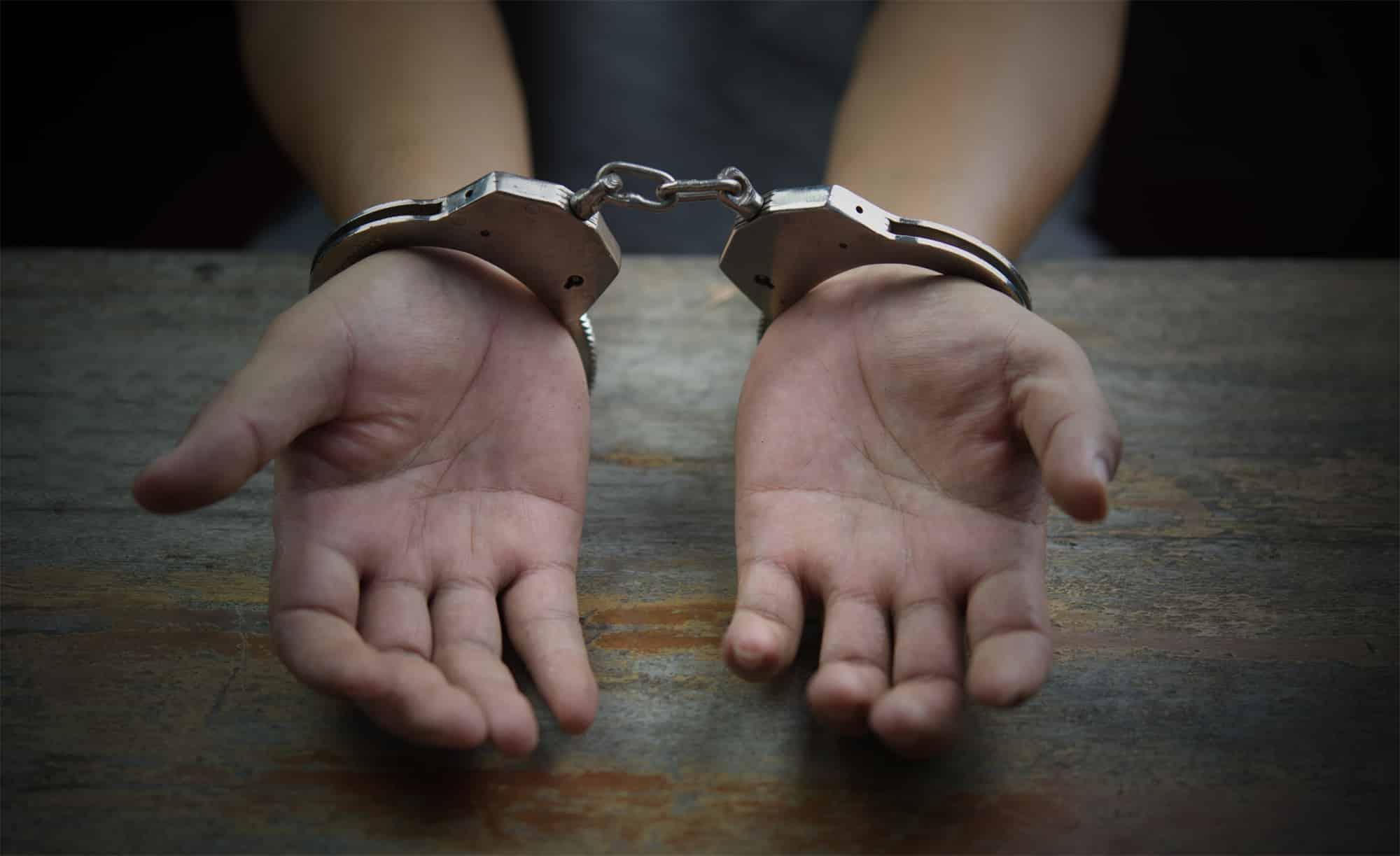 סגירת תיק פלילי מחוסר אשמה ללקוח קטין שנחשד בעבירות סמים