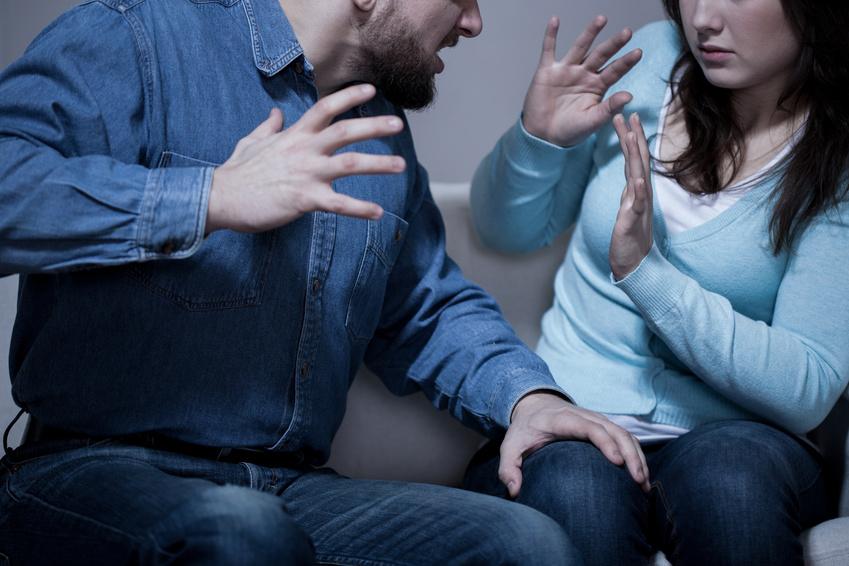 לקוח שהואשם שתקף ואיים על בת זוגו נוקה מאשמה