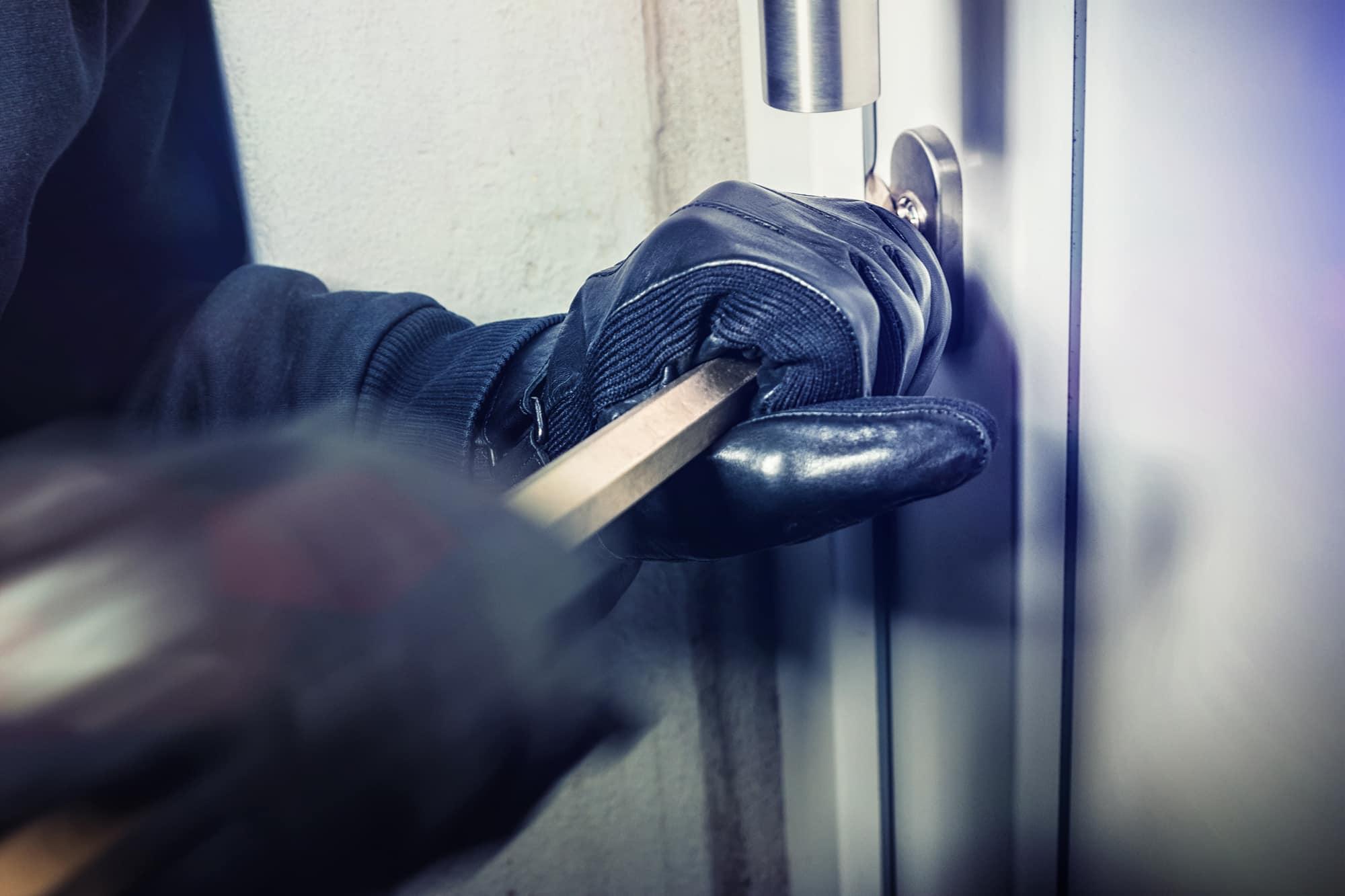 אי הרשעה לקטין שהואשם בשלושה תיקי פריצה לבתי עסק ועבירות סמים