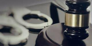שחרור ממעצר ללא קבלת תסקיר לקוח שהואשם שתקף ופצע עובר אורח ושבר את שיניו
